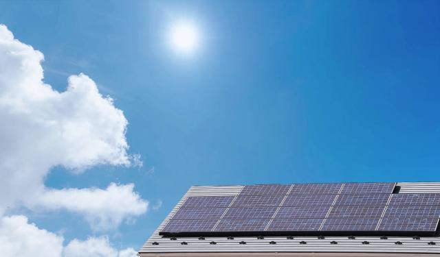 家に太陽光パネルをつけたら本当に得なの?
